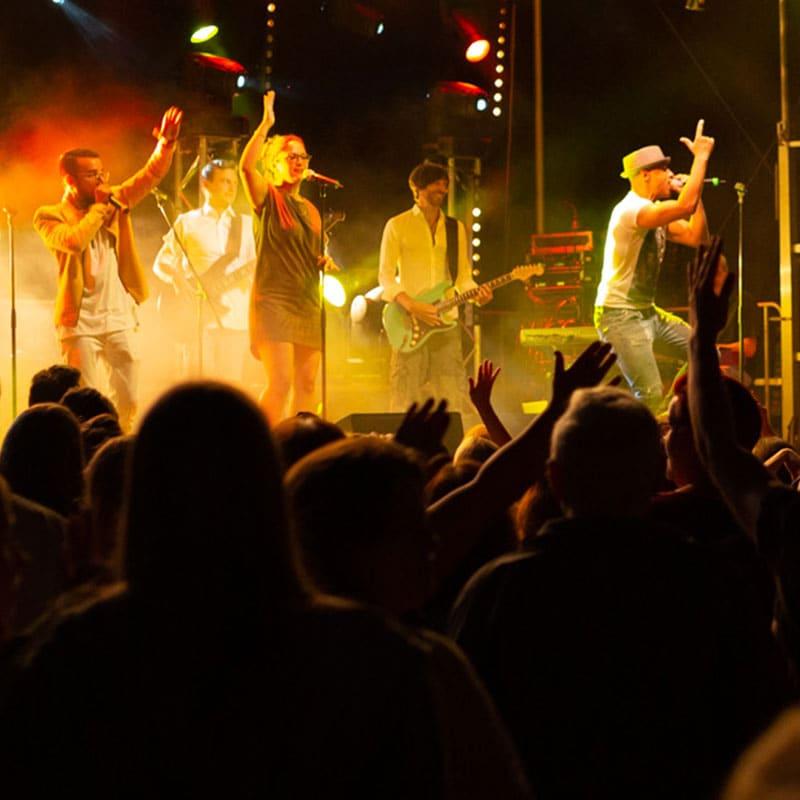 Sie suchen nach einem musikalischen Highlight für Ihren Geburtstag oder Ihr Stadtfest?